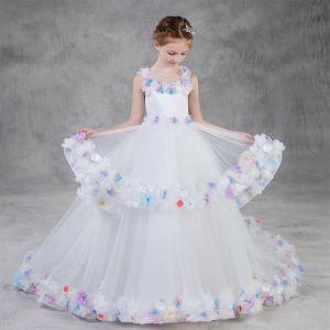 Hada de las flores Blanco Vestidos para niñas 2020 Ball Gown Scoop Escote Sin Mangas Sin Espalda Apliques Flor Rhinestone Colas De Barrido Volantes En Cascada