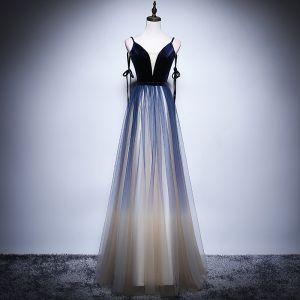 Sexy Marineblau Farbverlauf Champagner Abendkleider 2018 A Linie Spaghettiträger Ärmellos Lange Rüschen Rückenfreies Festliche Kleider