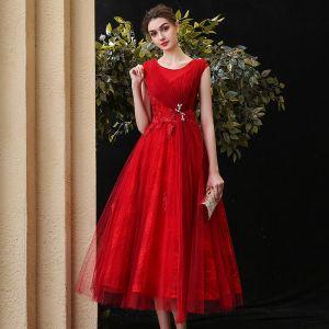 Hermoso Rojo de fiesta Vestidos de graduación 2020 A-Line / Princess Scoop Escote Sin Mangas Apliques Con Encaje Rebordear Té De Longitud Ruffle Vestidos Formales