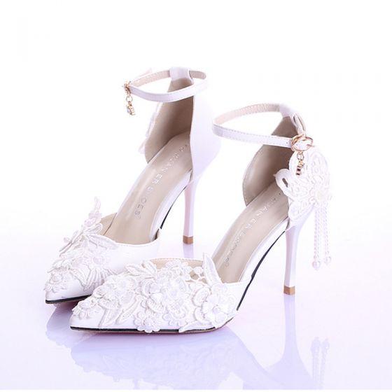 Elegant Ivory Brudesko 2020 9 cm Stiletter Med Blonder Blomsten Ankel Strop Spidse Tå Bryllup Sandaler