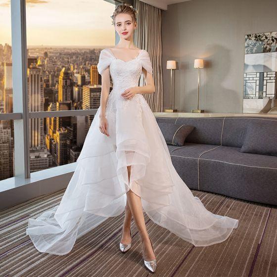 Moderne Mode Haute Basse Blanche Robe De Mariée 2018 Princesse Appliques En Dentelle De Lépaule Dos Nu Sans Manches Tribunal Train Mariage