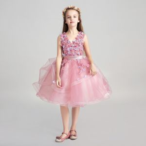 Chic / Beautiful Candy Pink Flower Girl Dresses 2017 Ball Gown V-Neck Sleeveless Appliques Flower Pearl Sash Knee-Length Cascading Ruffles Wedding Party Dresses