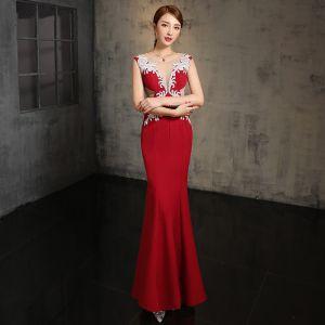 Modern / Fashion Red Evening Dresses  2017 Trumpet / Mermaid V-Neck Sleeveless Glitter Rhinestone Floor-Length / Long Ruffle Backless Pierced Formal Dresses