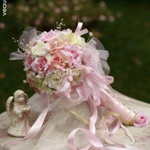 Het Bruidsboeket Vasthouden Van Bloemen De Kleine Rose Trouwboeket Bloemen