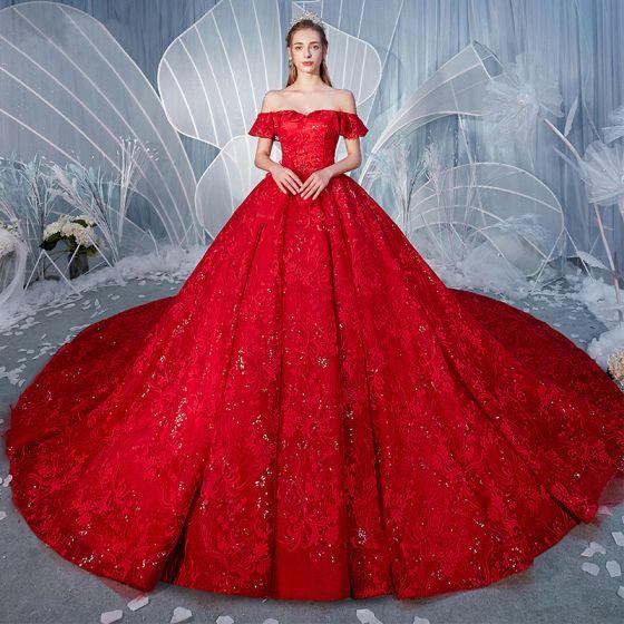 Fantastisk Röd Bröllopsklänningar 2019 Prinsessa Av Axeln Beading Pärla Paljetter Spets Blomma Korta ärm Halterneck Royal Train