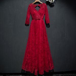 Schöne Rot Festliche Kleider Abendkleider 2017 Spitze Pailletten Schleife Rückenfreies Knöchellänge V-Ausschnitt 3/4 Ärmel A Linie