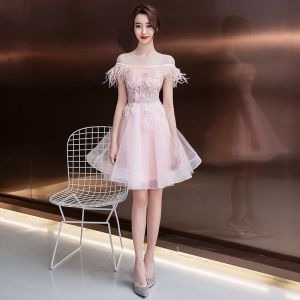 Fashion Blushing Pink See-through Homecoming Graduation Dresses 2020 A-Line / Princess Scoop Neck Short Sleeve Feather Appliques Flower Beading Short Ruffle Backless Formal Dresses
