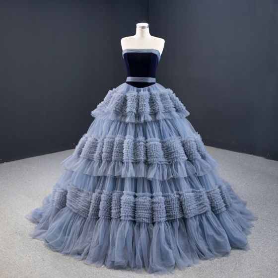 Luksusowe Ciemnoniebieski Sukienki Na Bal 2020 Suknia Balowa Bez Ramiączek Bez Rękawów Trenem Sąd Kaskadowe Falbany Bez Pleców Sukienki Wizytowe