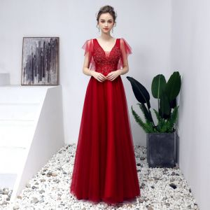 Chic / Beautiful Burgundy Prom Dresses 2019 A-Line / Princess V-Neck Beading Crystal Lace Flower Short Sleeve Backless Floor-Length / Long Formal Dresses
