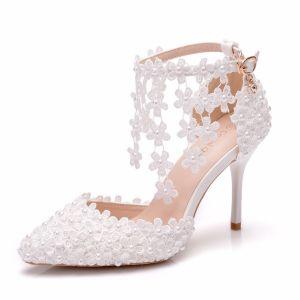 Charmant Ivory / Creme Brautschuhe 2020 Knöchelriemen Perle Spitze Blumen 9 cm Stilettos Spitzschuh Hochzeit Pumps