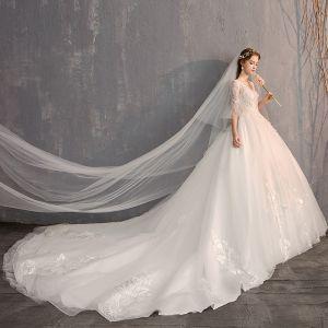 Luksusowe Białe Suknia Balowa Suknie Ślubne 2019 Tiulowe Koronkowe V-Szyja Aplikacje Bez Pleców Frezowanie Perła Cekiny Trenem Katedra Kościół Ślub