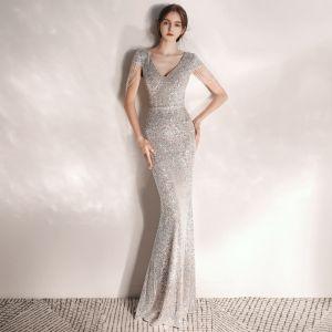 Sparkly Silver Sequins Evening Dresses  2020 A-Line / Princess V-Neck Short Sleeve Beading Floor-Length / Long Formal Dresses