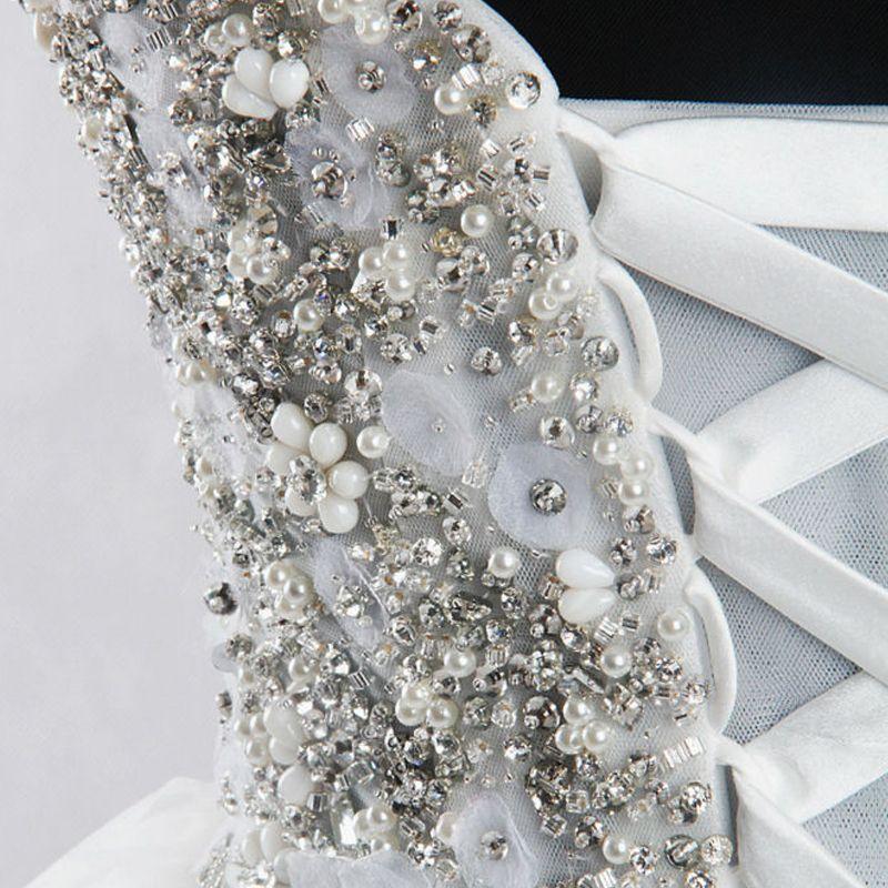 Unique Weiß Hof-Schleppe Hochzeit 2018 Ballkleid Tülle Rückenfreies Perlenstickerei Korsett Strass Brautkleider