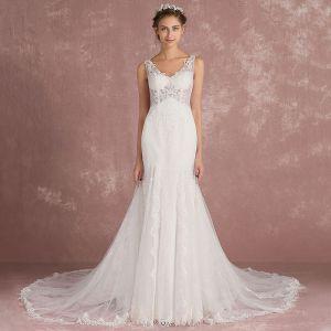 Elegant Ivory Pierced Wedding Dresses 2018 Trumpet / Mermaid V-Neck Sleeveless Appliques Lace Court Train