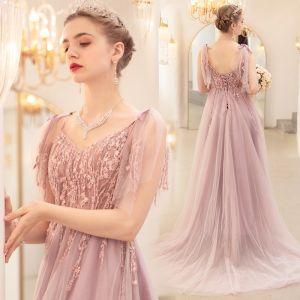 Romantisk Rødmende Rosa Selskapskjoler 2020 Prinsesse Spaghettistropper Uten Ermer Appliques Blonder Beading Feie Tog Buste Ryggløse Formelle Kjoler