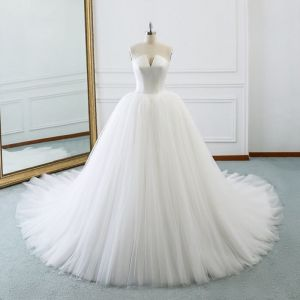 Modest / Simple Ivory Wedding Dresses 2018 Ball Gown Amazing / Unique Strapless Sleeveless Backless Cathedral Train Ruffle