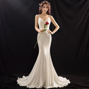 Modest / Simple Ivory Wedding Dresses 2018 Trumpet / Mermaid Beading Sash Spaghetti Straps Backless Sleeveless Court Train Wedding