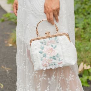 Chinese style White Square Clutch Bags 2020 Metal Appliques Lace Embroidered Flower
