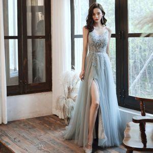 Elegantes Gris Vestidos de gala 2020 A-Line / Princess Spaghetti Straps Sin Mangas Rebordear Delante De Split Colas De Barrido Ruffle Sin Espalda Vestidos Formales