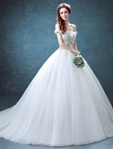 Glamorous Wedding Dresses 2016 Ball Gown Off The Shoulder Applique Lace Flowers Beading Rhinestone Ruffle Tulle Bridal Gown