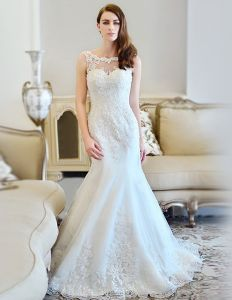 2015 Trumpet/Mermaid Scoop Neck Chapel Train Tulle Lace Wedding Dresses With Beading Sequins