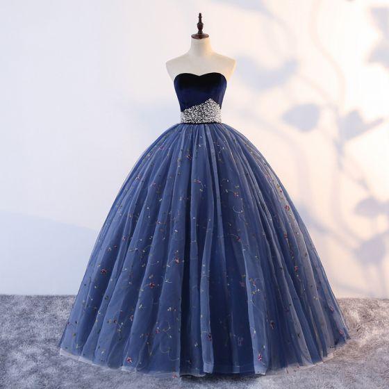 Vintage / Originale Quinceañera Bleu Marine Robe De Bal 2019 Robe Boule Amoureux Sans Manches Appliques Perle En Dentelle Longue Volants Dos Nu Robe De Ceremonie