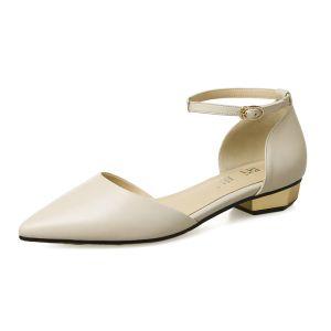 Elegant Outdoor / Garden Womens Sandals 2017 Leather Low Heels / Kitten Heels Platform Pointed Toe Sandals