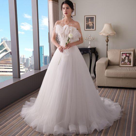 Eleganckie Białe Suknie Ślubne 2018 Princessa Bez Ramiączek Bez Rękawów Bez Pleców Pióro Frezowanie Trenem Sweep Wzburzyć