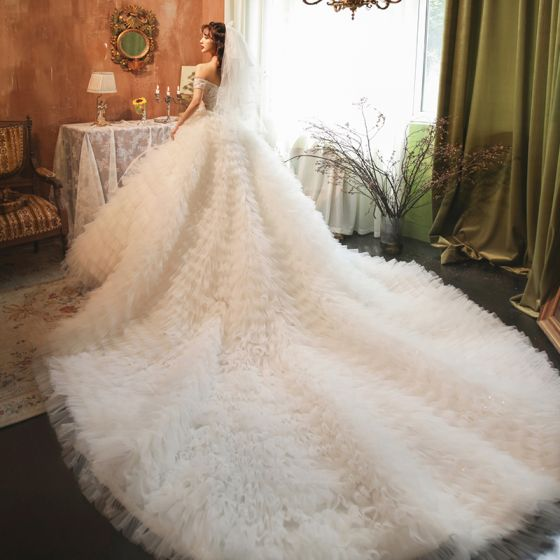 Stunning Champagne Bridal Wedding Dresses 2020 Ball Gown Off-The-Shoulder Short Sleeve Backless Beading Cascading Ruffles Cathedral Train