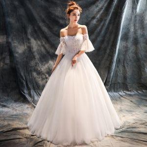 Piękne Sala Suknie Ślubne 2017 Białe Suknia Balowa Długie Przy Ramieniu 1/2 Rękawy Bez Pleców Cekiny Rhinestone Z Koronki Aplikacje