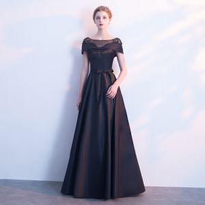 Modest / Simple Black Evening Dresses  2018 A-Line / Princess Beading Scoop Neck Backless Short Sleeve Floor-Length / Long Formal Dresses