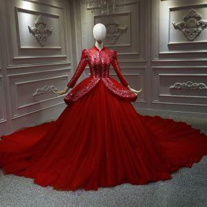 Chinesischer Stil Rot Hochzeits Brautkleider / Hochzeitskleider 2020 Ballkleid Stehkragen Lange Ärmel Rückenfreies Applikationen Spitze Perlenstickerei Pailletten Kathedrale Schleppe Rüschen