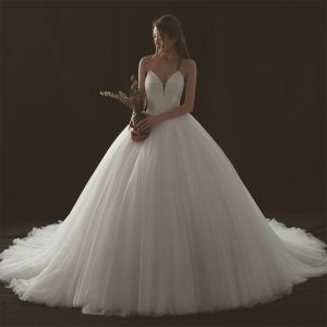 Modest / Simple Ivory Wedding Dresses 2018 Ball Gown Sweetheart Sleeveless Backless Cathedral Train Ruffle