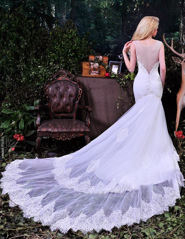 2015 Elegant Mermaid Deep V-neck Beading Pierced Long Tailing Tulle Wedding Dresses