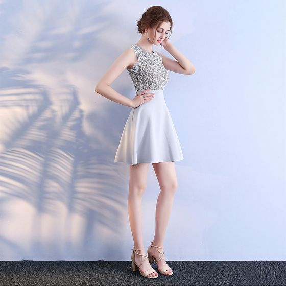 Chic / Beautiful Grey Graduation Dresses 2018 A-Line / Princess U-Neck Lace Beading Embroidered Homecoming Formal Dresses