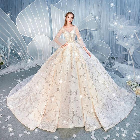 Luxus Champagne Brudekjoler 2019 Balkjole V-Hals Beading Pailletter Med Blonder Blomsten Bell ærmer Halterneck Royal Train