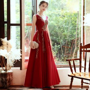 Elegant Red Satin Evening Dresses  2020 A-Line / Princess See-through Deep V-Neck Sleeveless Beading Floor-Length / Long Ruffle Backless Formal Dresses