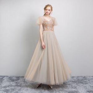 Elegante Champagner Abendkleider 2019 A Linie V-Ausschnitt Perlenstickerei Kristall Pailletten Kurze Ärmel Rückenfreies Lange Festliche Kleider