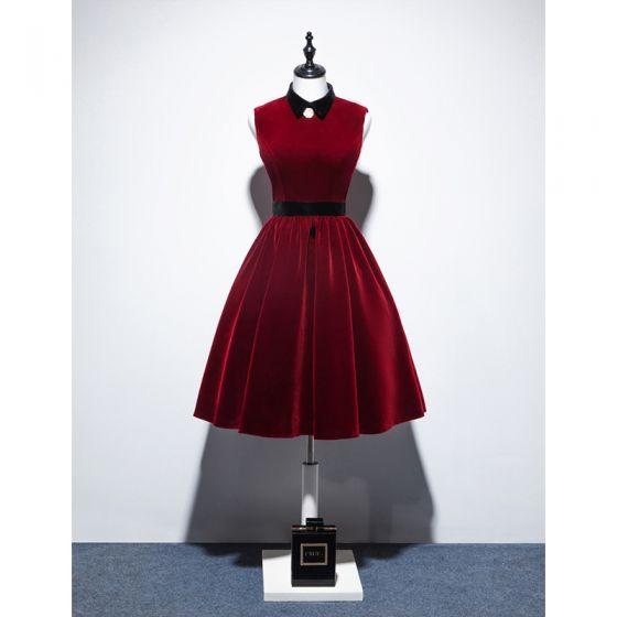 Classy Burgundy Suede Homecoming Graduation Dresses 2020 A-Line / Princess High Neck Sleeveless Knee-Length Formal Dresses