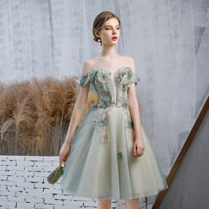 Élégant Vert Cendré Robe De Cocktail 2020 Princesse De l'épaule Transparentes Col v profond Manches Courtes Dos Nu Appliques Fleur Perle Paillettes Courte Volants Robe De Ceremonie