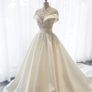 Chinese style White Wedding Dresses 2017 High Neck Short Sleeve Backless Beading Sequins Ruffle Satin Lace Chapel Train