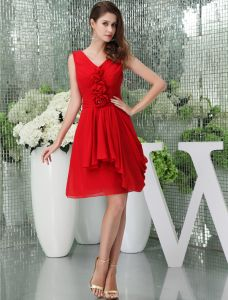 2015 Cute A-line V-neck Shoulders Handmade Flowers Ruffles Red Cocktail Dress