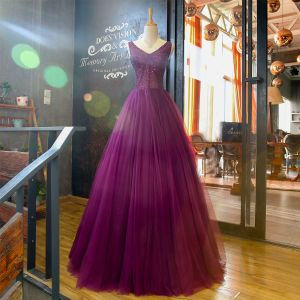 Chic / Belle Grape Robe De Bal 2018 Princesse V-Cou Sans Manches Perlage Longue Volants Dos Nu Robe De Ceremonie