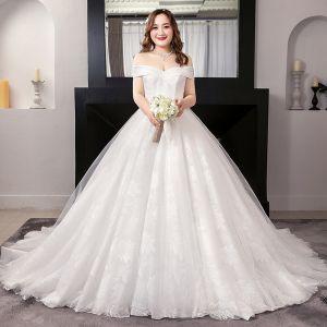 Unique Weiß Ballkleid Brautkleider / Hochzeitskleider 2019 Applikationen Rückenfreies Spitze Tülle Bandeau Kapelle-Schleppe Hochzeit