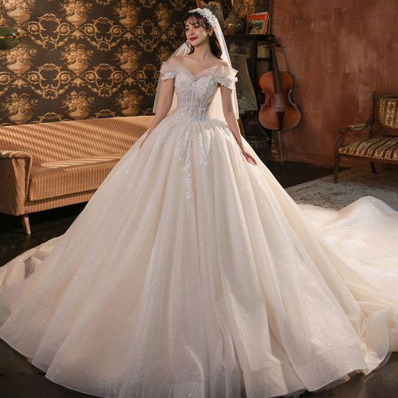 Rzymski Szampan ślubna Suknie Ślubne 2020 Suknia Balowa Przy Ramieniu Kótkie Rękawy Bez Pleców Aplikacje Z Koronki Frezowanie Cekinami Tiulowe Trenem Katedra Wzburzyć