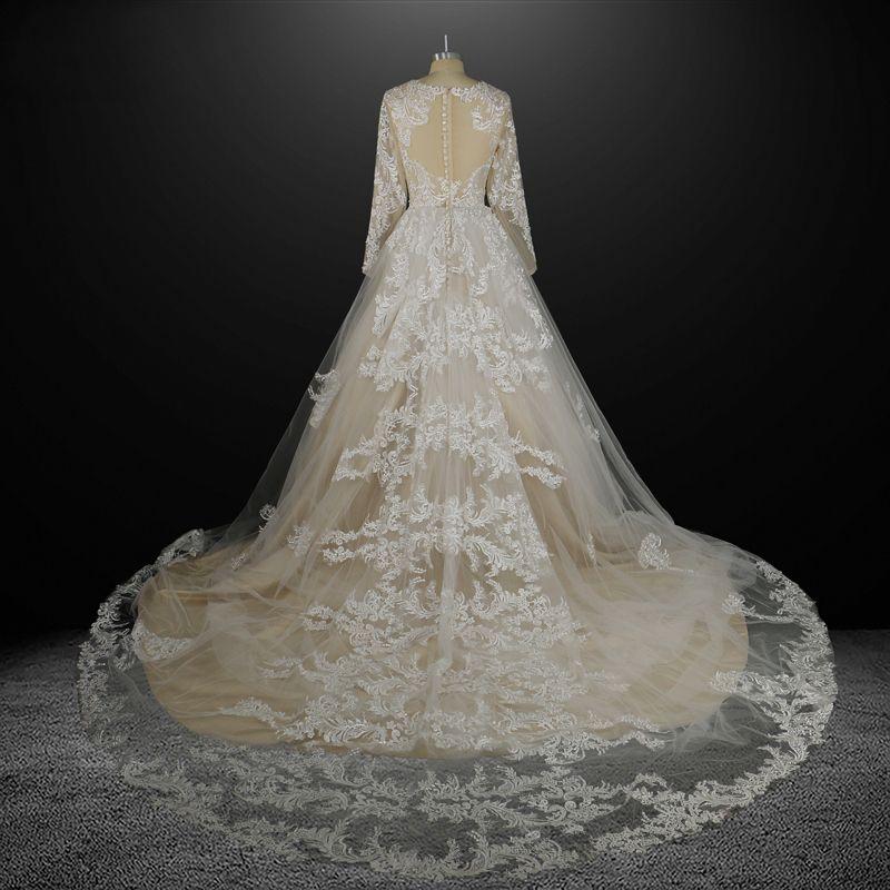 Stunning Champagne Wedding Dresses 2017 A-Line / Princess Scoop Neck Long Sleeve Pierced Appliques Lace Chapel Train