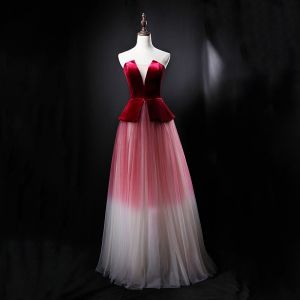Chic / Beautiful Burgundy Gradient-Color Suede Evening Dresses  2018 A-Line / Princess Strapless Sleeveless Floor-Length / Long Ruffle Backless Formal Dresses