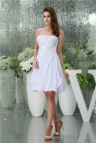 Charmante A-ligne Sweetheart Plissés Fleurs À La Main Courte Robe De Mariée Simple Robe De Mariage