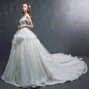 Chic / Beautiful Champagne Wedding Dresses 2019 A-Line / Princess Off-The-Shoulder Short Sleeve Backless Appliques Lace Beading Pearl Chapel Train Ruffle