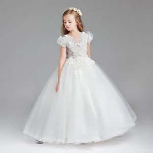 Chic / Beautiful White Flower Girl Dresses 2017 Ball Gown V-Neck Short Sleeve Appliques Flower Floor-Length / Long Wedding Party Dresses